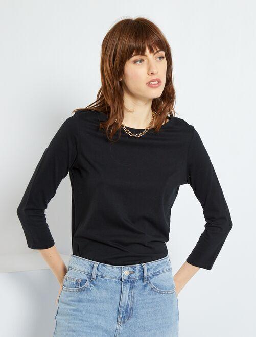 Basic T-shirt met boothals                                                                                                         zwart