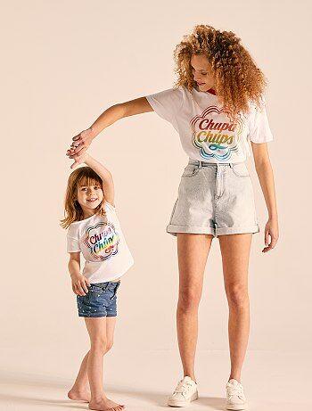 a50a3a12a13c90 Meisjeskleding 3-12 jaar - Bedrukt T-shirt van 'Chupa Chups' -