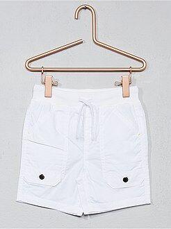 Short, bermuda wit - Bermuda met meerdere zakken van katoen - Kiabi