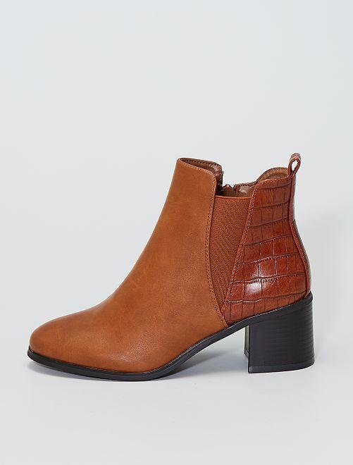 Boots met hakken en krokodillenpatroon                             khaki