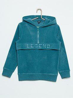 Fleece sweater met een capuchon
