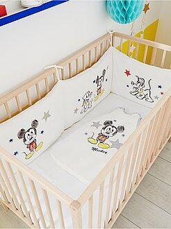 Babykamer, badkamer - Fluwelen 'Mickey' bedomranding