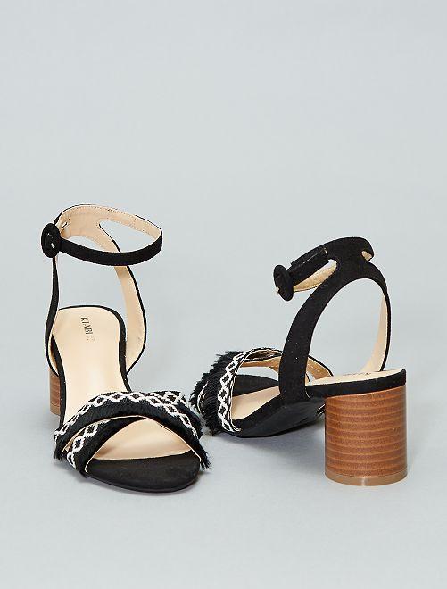 Gekruiste sandalen met franjes                             zwart Dameskleding
