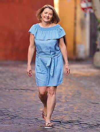 f1236a8a91fadb Gestreepte jurk in bardotstijl - Kiabi