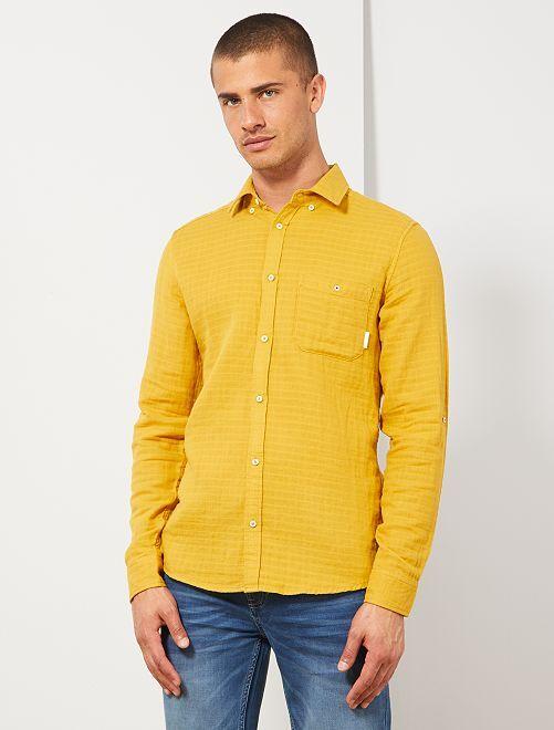 Getextureerd slimfit overhemd                     GEEL