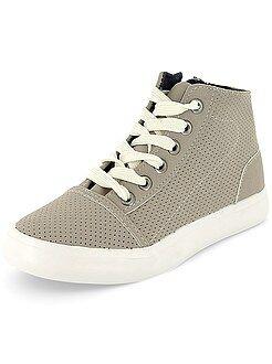 Hoge sneakers van imitatieleer met perforaties - Kiabi