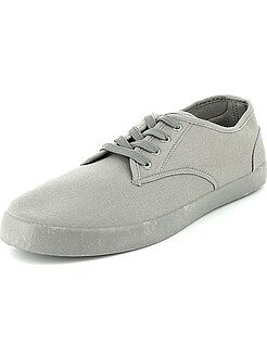 Lage stoffen sneakers