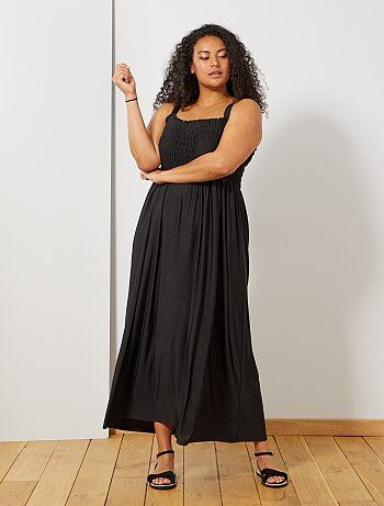 9f853f77053306 Dames Size+ - Lange jurk met smokwerk op de borst - Kiabi