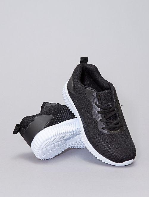 Lichte sportsneakers van gaasstof                             zwart