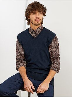 Trui, vest - Mouwloze trui met V-hals van dun tricot