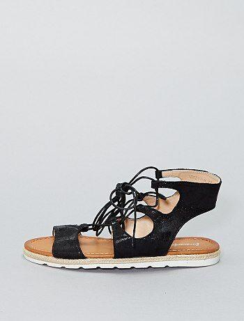 Platte sandalen van glanzend imitatieleer - Kiabi
