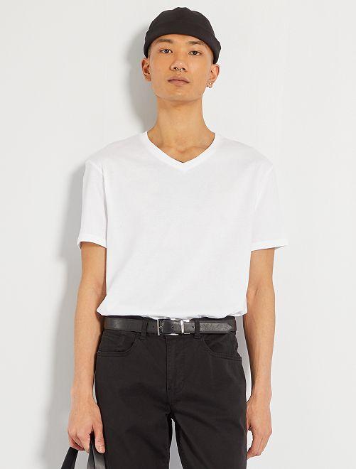 Regular katoenen T-shirt met V-hals                                                                                                                                         wit