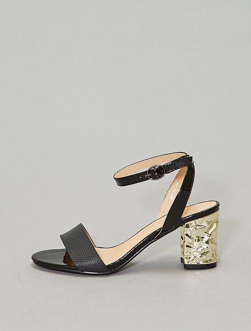 Sandalen met goudkleurige hak                             zwart
