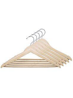 Opbergen - Set van 5 kleerhangers van natuurlijk hout - Kiabi