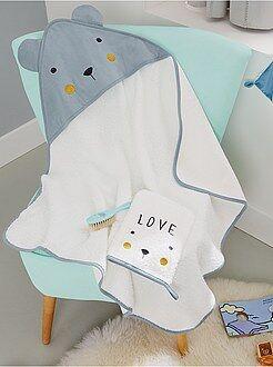 Babykamer, badkamer - Setje met een badcape en washandje 'beer'