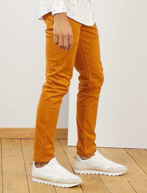 Slimfit 5-pocket broek van twill                                                                                             bruin