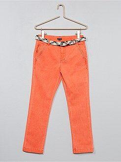 Kinder broeken - Slimfit pantalon met gevlochten riem - Kiabi