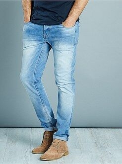 Jeans - Slimfit stretch jeans met lichte slijtplekken