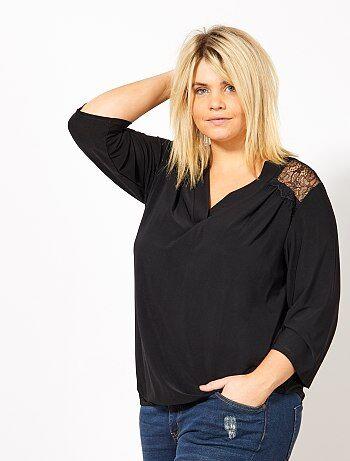 T-shirt met een V-hals en kant op de rug - Kiabi