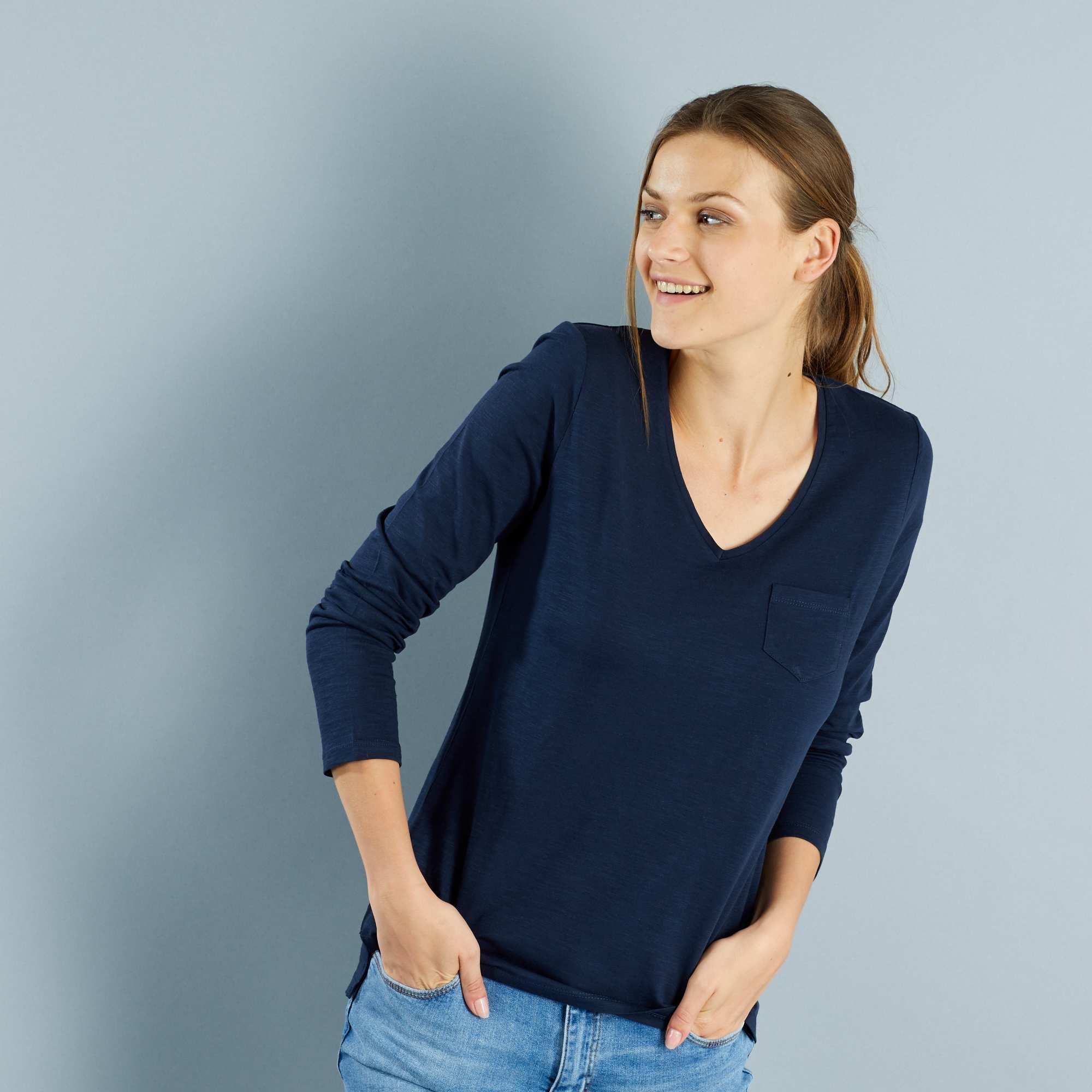 f563dfefe44b33 T-shirt met een V-hals en lange mouwen van gevlamd tricot blauw Dameskleding