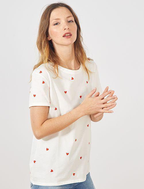 T-shirt met hartjesprint 'Ecodesign'                                                                                                                                                                                                                                                     WIT