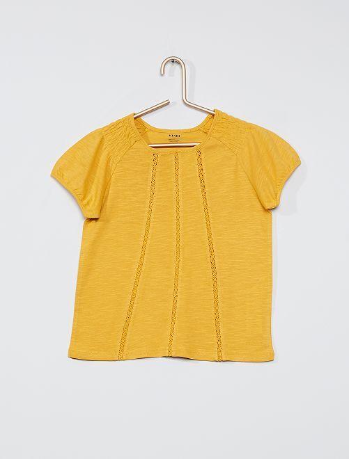 T-shirt met smokwerk 'Ecodesign'                                                                                                     GEEL