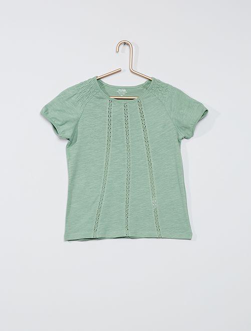 T-shirt met smokwerk 'Ecodesign'                                                                                                                                                     grijs groen