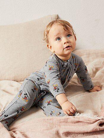 Babykleding Opruiming.Babykleding Betaalbare Baby Jurkjes Jas Pyjama Of Vest Kiabi