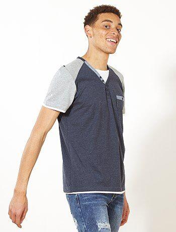 Tweekleurig T-shirt met een Tunesische hals - Kiabi
