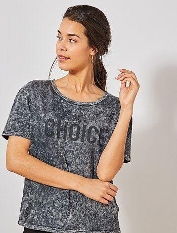 f5e6e72250d Damesmode maat 34-48 - Verouderd T-shirt met opschrift - Kiabi